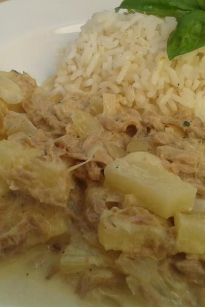 Reis mit Thunfisch-Ananas Sauce